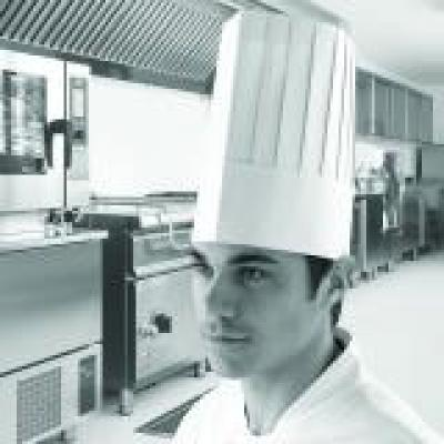 DM09_Classic_Chef_Hat_250_Action_Generic_Square_1.jpg